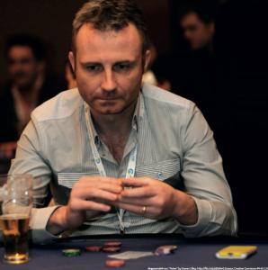 """Der Lügner - immer schön den Schein wahren. Bild abgewandelt von """"Poker"""" by Steven Lilley, http://flic.kr/p/dZeNvG CC SA BY 2.0"""