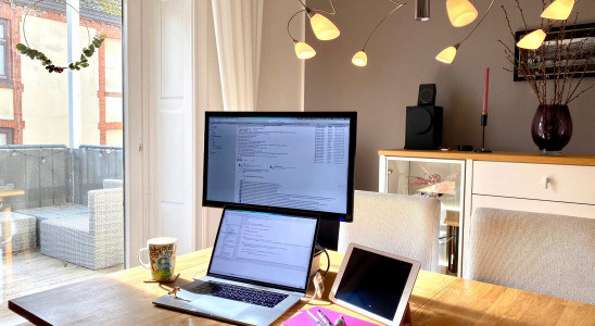 HomeOfficeChallenge_StayHome